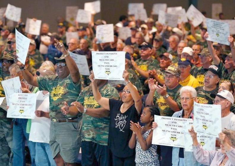 Sindicatos exigen pensiones financiadas por gobierno