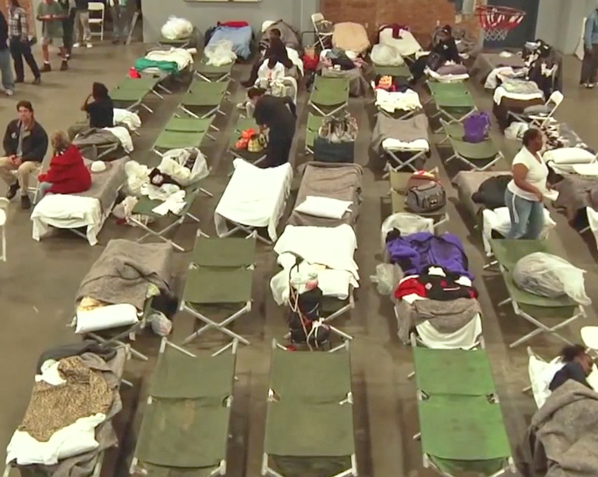 Homeless shelter in Los Angeles. California's homeless population rose 13.7 percent from 2016 to 2017, as high rents and low wages drive hundreds of thousands of working people into shelters or to live on the street. Last year families made up one-third of total homeless population.