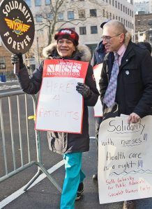Seth Galinsky, SWP candidate for New York City Public Advocate, joins nurses' informational picket line at Mount Sinai Hospital demanding bosses hire more nurses Feb. 13.