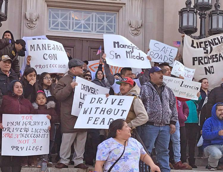 Acto en Bridgeton, Nueva Jersey, marzo 17, auspiciado por Cosecha para exigir licencias de conducir para inmigrantes indocumentados. La lucha por esta necesidad básica impulsa la batalla por la amnistía, lo cual fortalecería a toda la clase trabajadora.