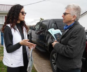 """For years I've hated how capitalism pits everyone against each other,"" nurse Mickale Hensley, left, in her front yard, told SWP member Maggie Trowe in Williamstown, Kentucky, April 5."