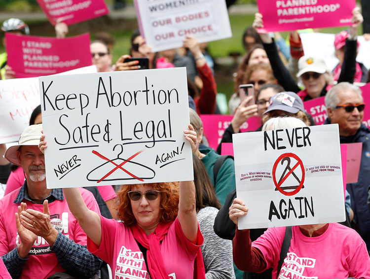 May 21 Sacramento, Calif. Rallies to defend women's right to abortion continue nationwide.