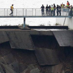 UK gov't fails to maintain dam, threatening homes