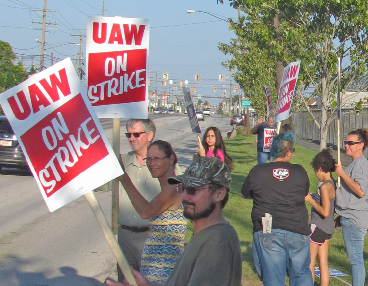 "SWP suit against FBI proved government spying and disruption is unconstitutional. Above, GM and Aramark strikers picket GM Parma plant near Cleveland Sept. 16. Recent FBI ""corruption"" raids on UAW union officials are aimed at weakening strike and the union."
