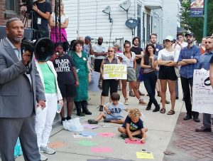 Pastor Tre Stanton speaks at Aug. 22 rally in Troy, New York, demanding firing, prosecution of cop Randall French, who killed Edson Thevenin in 2016. City officials tried to cover up killing.