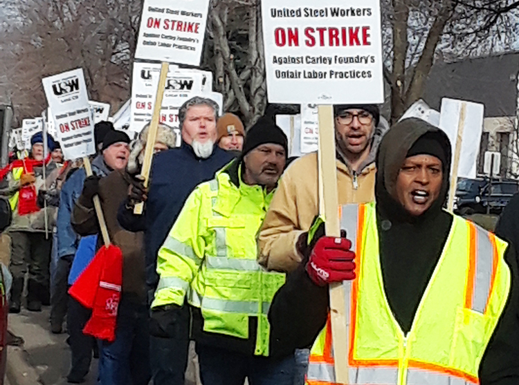 Striking Minnesota steelworkers rally against 2-tier wages system