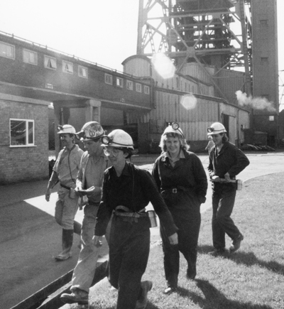 n June 1987, U.S. coal miners, including Alyson Kennedy (front), visit British coalfields to learn about resistance to rulers' drive to close mines and break National Union of Mineworkers. They were hosted by Women Against Pit Closures, made up of miners' wives and other NUM supporters. In 2016 Kennedy was the SWP candidate for president of United States.