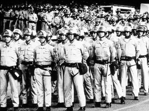 There is a long history of hard-fought copper mine battles in Arizona. Above, state government sent guardsmen and troopers to protect strikebreakers in 1983 strike against Phelps Dodge. Morenci mine is now owned by Freeport-McMoRan, remains nonunion.