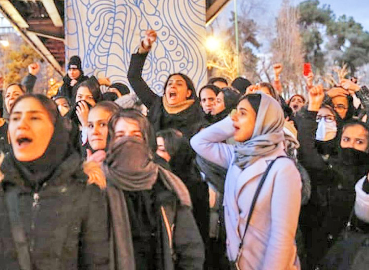 Protest in Tehran Jan. 13, in rebirth of nationwide popular mobilizations against Iranian regime's interventions in the region and economic crisis bearing down on working people.