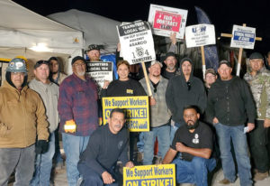 Obreros del cobre de Asarco en huelga en mina Mission, cerca de Tucson, Arizona, marzo 9.