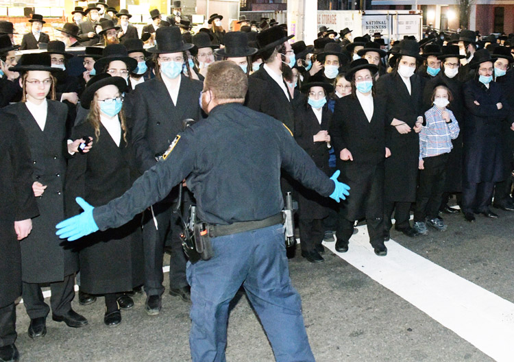 """New York Mayor Bill de Blasio personally supervised cops breaking up Hasidic funeral service in Brooklyn April 28, saying stepped up policing was """"message to the Jewish community."""""""