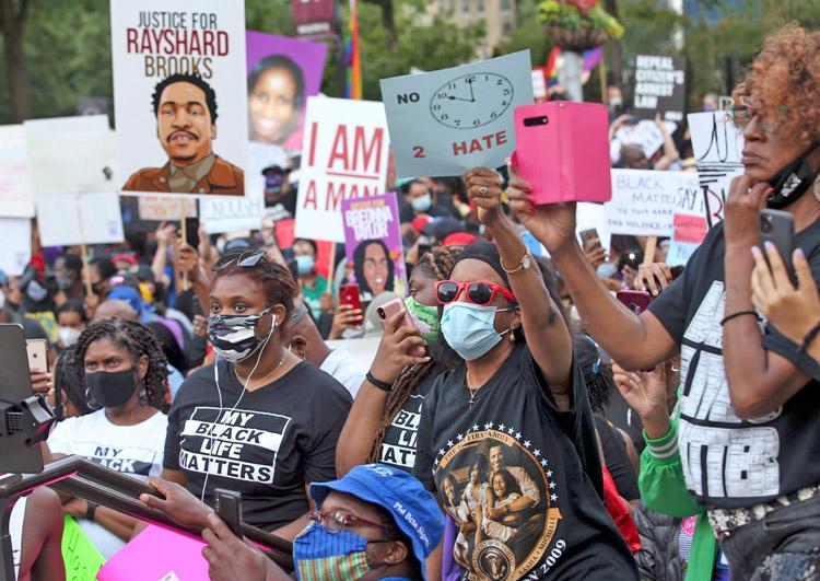 Marcha en Atlanta, junio 15, organizada por NAACP. Protestas continúan en EUA y el mundo.