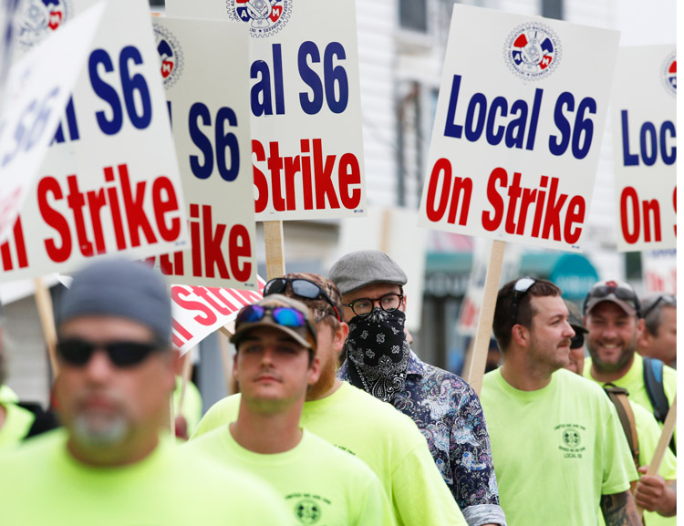 Over 4,300 shipbuilding workers on strike in Bath, Maine, since June 22 on the picket line.
