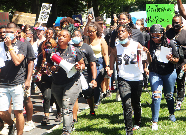 Hundreds of protesters joined family of Breonna Taylor to rally on steps of Kentucky's Capitol in Frankfort June 25 demanding cops who shot and killed her in March be arrested and charged.