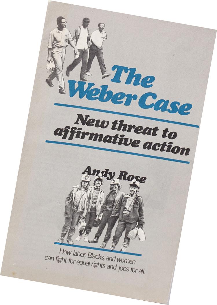 """Folleto utilizado por trabajadores socialistas para responder a demanda por técnico Brian Weber que alegaba que programa de adiestramiento defendido por sindicato representaba """"discriminación inversa""""."""