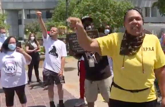 Protesters from Aurora, Colorado, fighting for charges to be filed against cops who killed Elijah McClain joined 1,000-mile caravan for July 24 rally in Louisville demanding cops who killed Breonna Taylor there be arrested and prosecuted. Below, Shenika Carter, who organized the caravan.