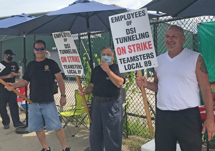 Teamsters Local 89 members on strike against DSI Tunneling in Louisville, Kentucky, picket Aug. 21 for their first contract. Workers won bitter fight for union representation last November.