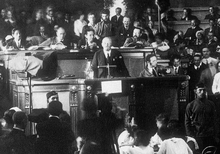 V.I. Lenin, center, Bolshevik leader of Russian Revolution, addresses Second Congress of Communist International in St. Petersburg, 1920. First four Comintern congresses left a legacy of revolutionary working-class program and strategy still crucial for workers today.