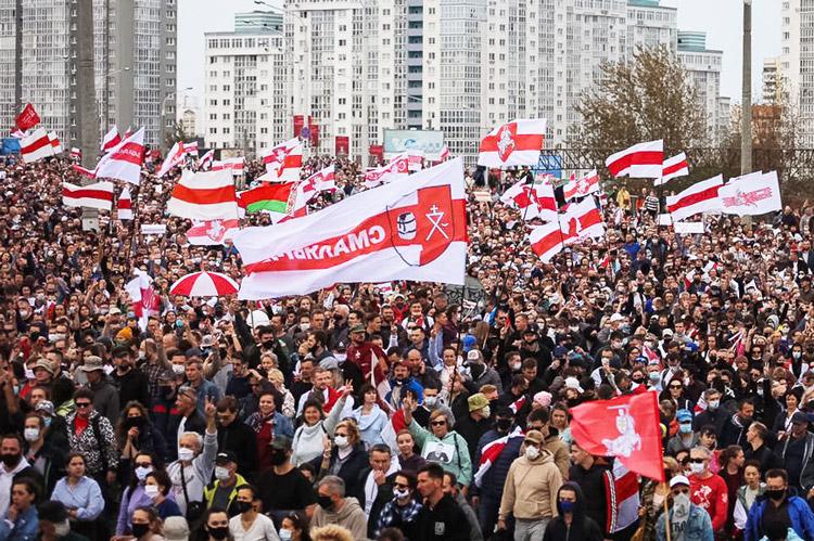 Minsk, 4 octobre. Manifestation de masse contre le gouvernement Loukachenko et pour la libération des prisonniers politiques.