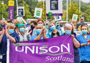 Some 400 Edinburgh Royal Infirmary nurses march Aug. 18 demanding pay raise. Like working people elsewhere in U.K. they are looking for ways to resist assaults on their livelihoods.