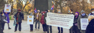 Protesters gather in New York at statue of José Martí Dec. 27 demanding end to U.S. economic war on Cuba.