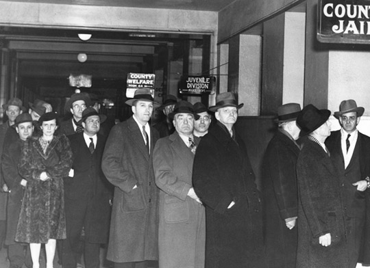 Eighteen SWP and Teamster leaders on their way to federal prison, Dec. 31, 1943. They were framed up for leading labor opposition to U.S. rulers' war drive. James P. Cannon, third from right, partly obscured. Defendants were first victims of thought-control Smith Act.