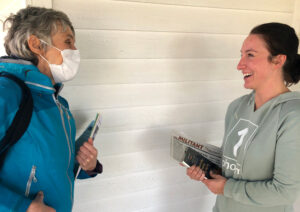 SWP campaign supporter Ruth Harris, left, discusses Amazon warehouse, Marathon refinery labor battles with Jerri Ellington, in Crete, Nebraska, March 20, and need to build solidarity.