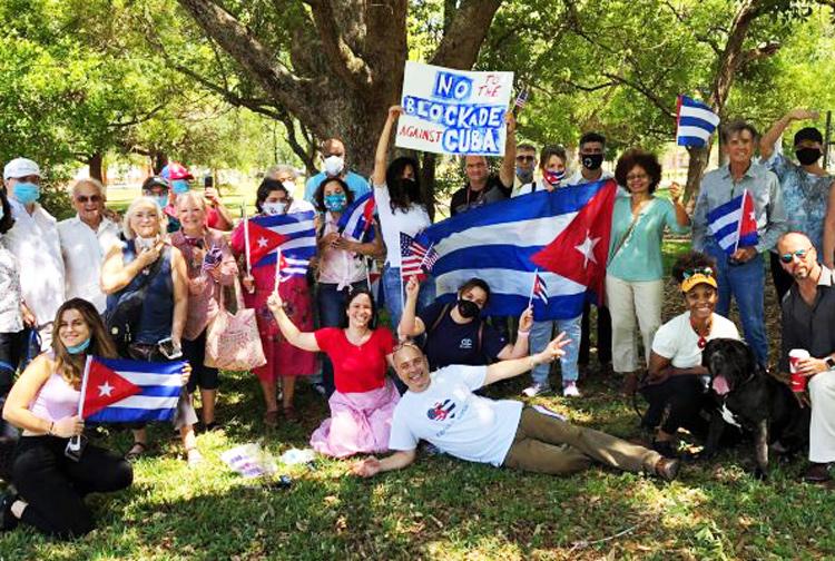 Caravana en Tampa: ¡Alto al embargo contra Cuba!