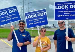 Members of United Steelworkers Local 13-243 picket outside ExxonMobil in Beaumont, Texas, after being locked out by bosses May 1 in attack on seniority rights, safety and job security.