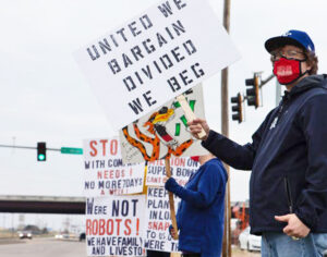 Unionists hold protest picket at Frito-Lay plant in Topeka, Kansas, May 3. On June 26 members of Bakery, Confectionery, Tobacco Workers and Grain Millers Union Local 218 voted 353-30 to strike July 5. Bosses have stalled negotiations over pay raise and ending forced overtime.
