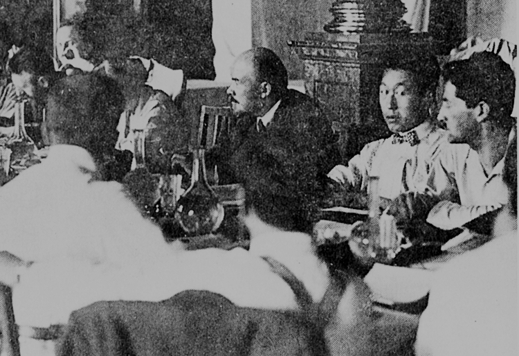 Bolshevik leader V.I. Lenin, center, at Congress of the Communist International in Moscow, 1920. Lenin explained the need to back the fight for national liberation in colonies and semicolonies, for the toilers to organize independent of the imperialists and their capitalist allies there.
