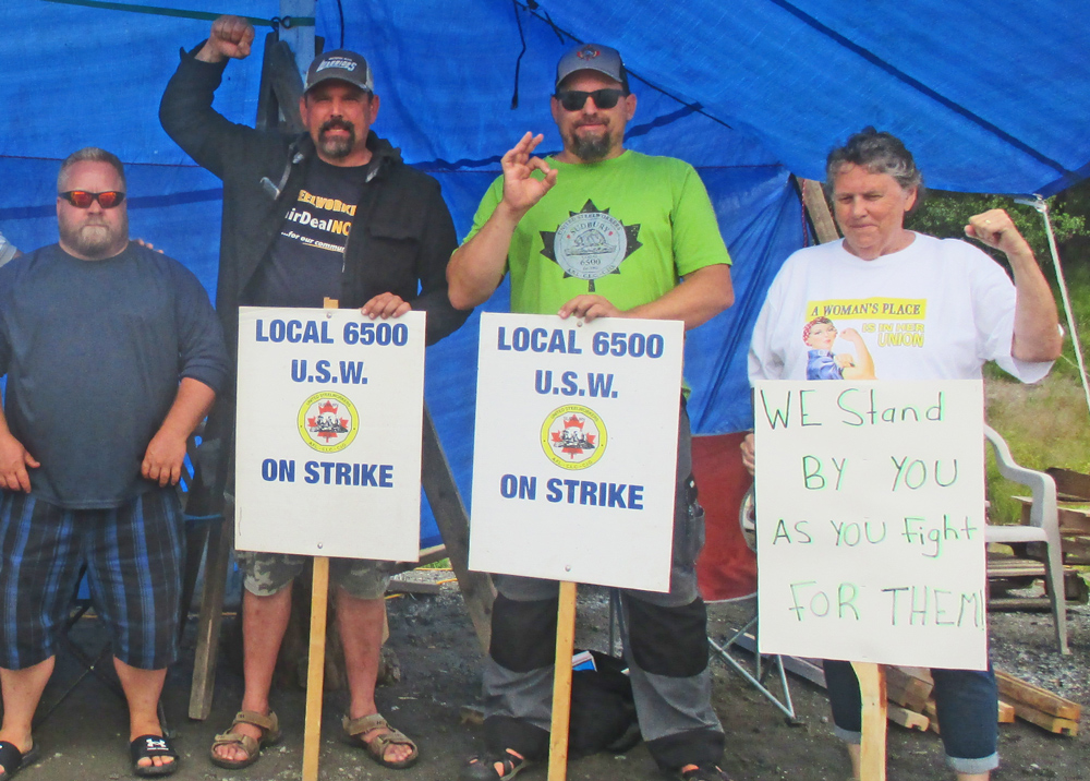 Over 2,400 United Steelworkers union miners and other workers at Vale have been on strike in Sudbury since June 1. Sign reflects growing solidarity for the workers' struggle.