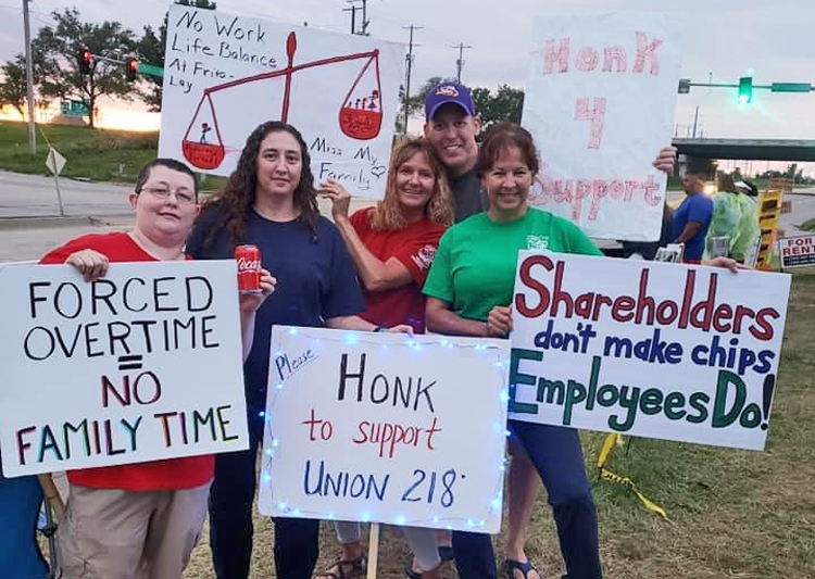 Some 600 members of BCTGM Local 218 at Frito-Lay in Kansas returned to work July 26 after three weeks on strike over forced overtime, wages. They won broad solidarity for their fight.