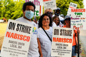 Workers picket Portland, Oregon, Nabisco plant, to block bosses' steep concession demands.