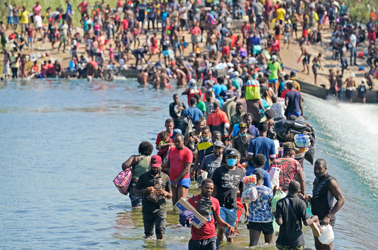 Biden orders mass deportations of Haitians in Texas