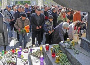 Marcha de Recordación el 3 de octubre a nuevo monumento en el 80 aniversario de la masacre nazi de más de 30 mil judíos en Babyn Yar cerca de Kiev, Ucrania en 1941.